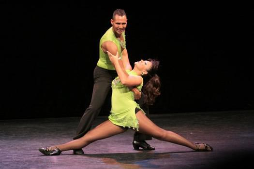 How Ballroom Dancing Lessons Can Improve Your Life?